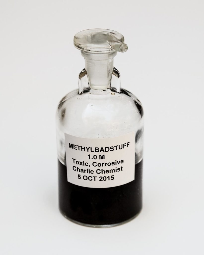 GHS-type labels for laboratory scale bottles